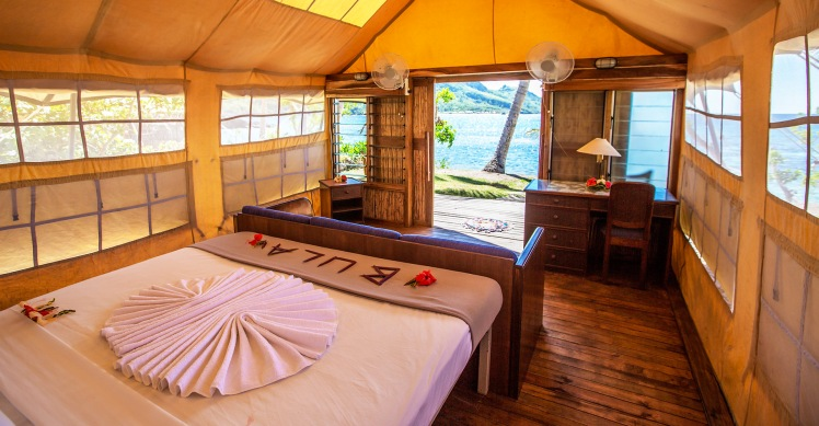 Beachfront Safari Room Barefoot Kuata