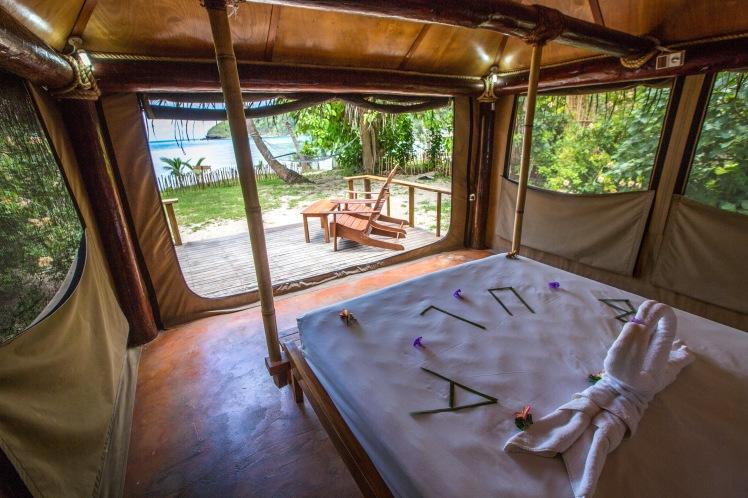 Beachfront Safari Room Barefoot Manta